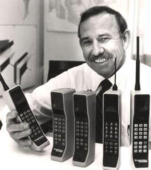 Prehľad histórie mobilných telefónov03